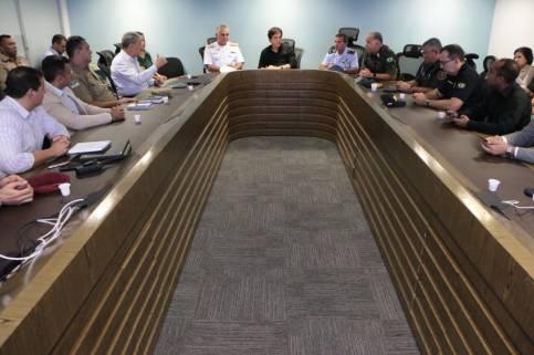 Reunião com forças de segurança_Demis Roussos (2)