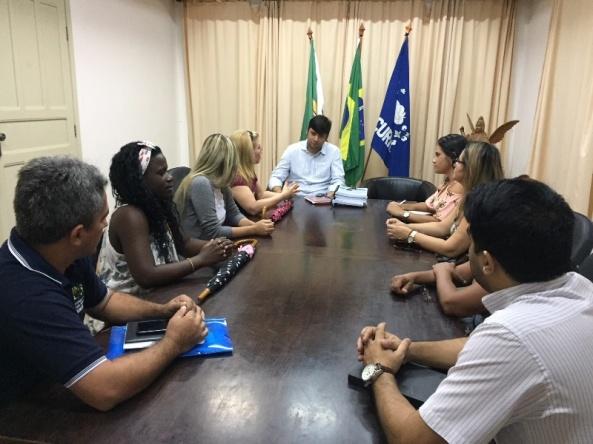 Reunião com médicas cubanas.JPG