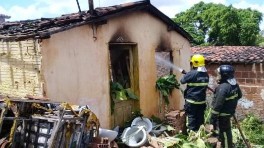 casa incendida